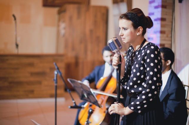 A formação escolhida foi Voz&Violão e Violoncelo.