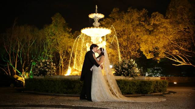 O casal Bruno e Bruna logo após a celebração