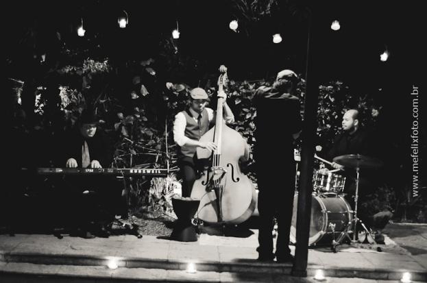 A música da festa ficou por conta do Trio instrumental do Coletivo de Músicos FRIGAZZ